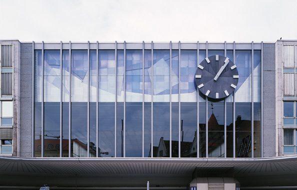 Fassade über dem Haupteingang am Hauptbahnhof München 1951, Foto: Andreas Pauly